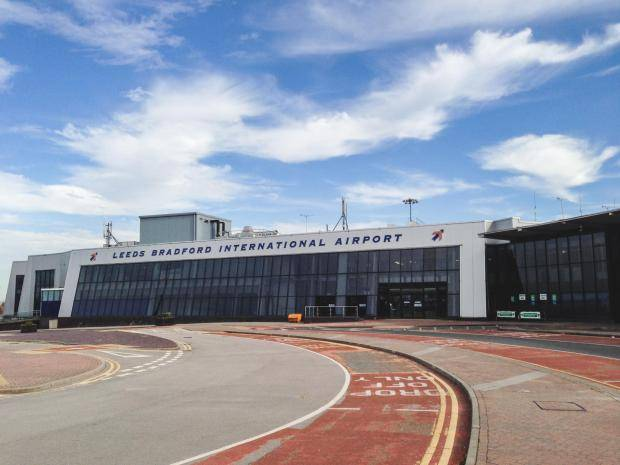 Leedsbradford airport transfers luxury private hire derbyshire executive cars derby ltd offer a 24 hour 365 days a year pre booked executive and luxury airport transfers with the flexibility to tailor our services to m4hsunfo
